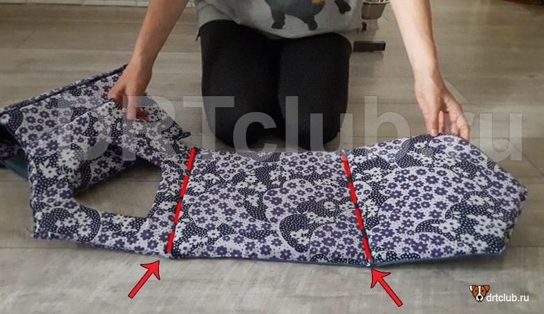 Сшиваем основание, переднюю и заднюю стенки домика