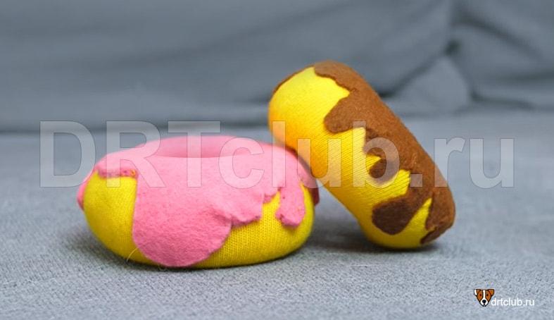 Пончик с глазурью для собаки